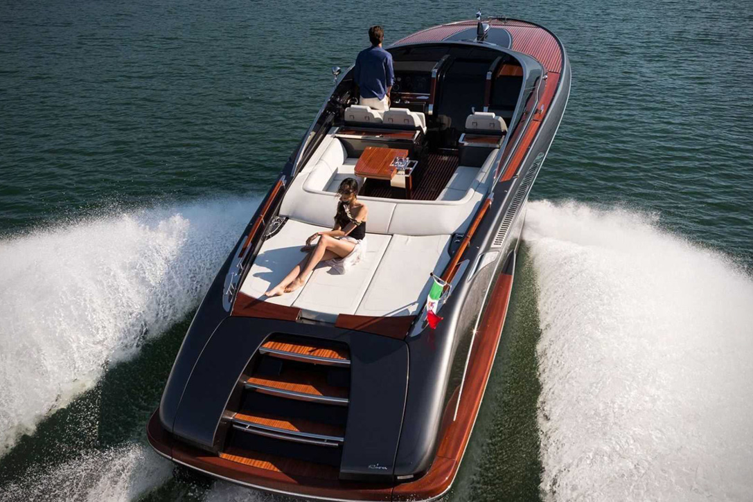 Elegant And Powerful Riva Rivamare Speedboat 5