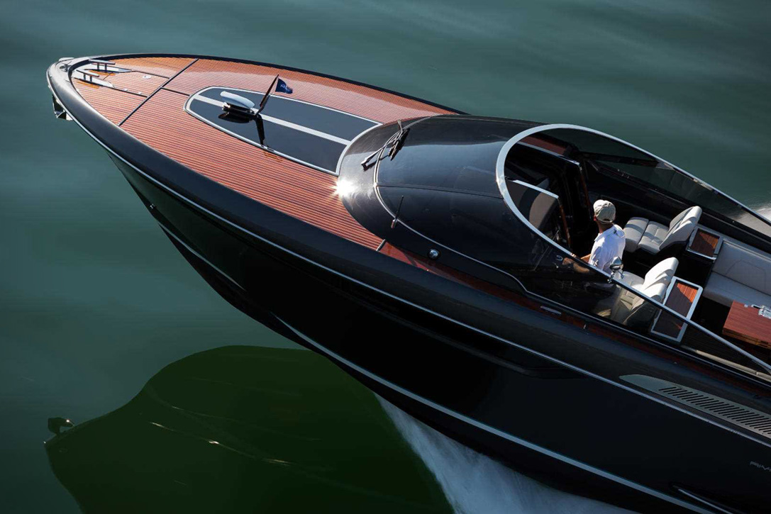 Elegant And Powerful Riva Rivamare Speedboat 7