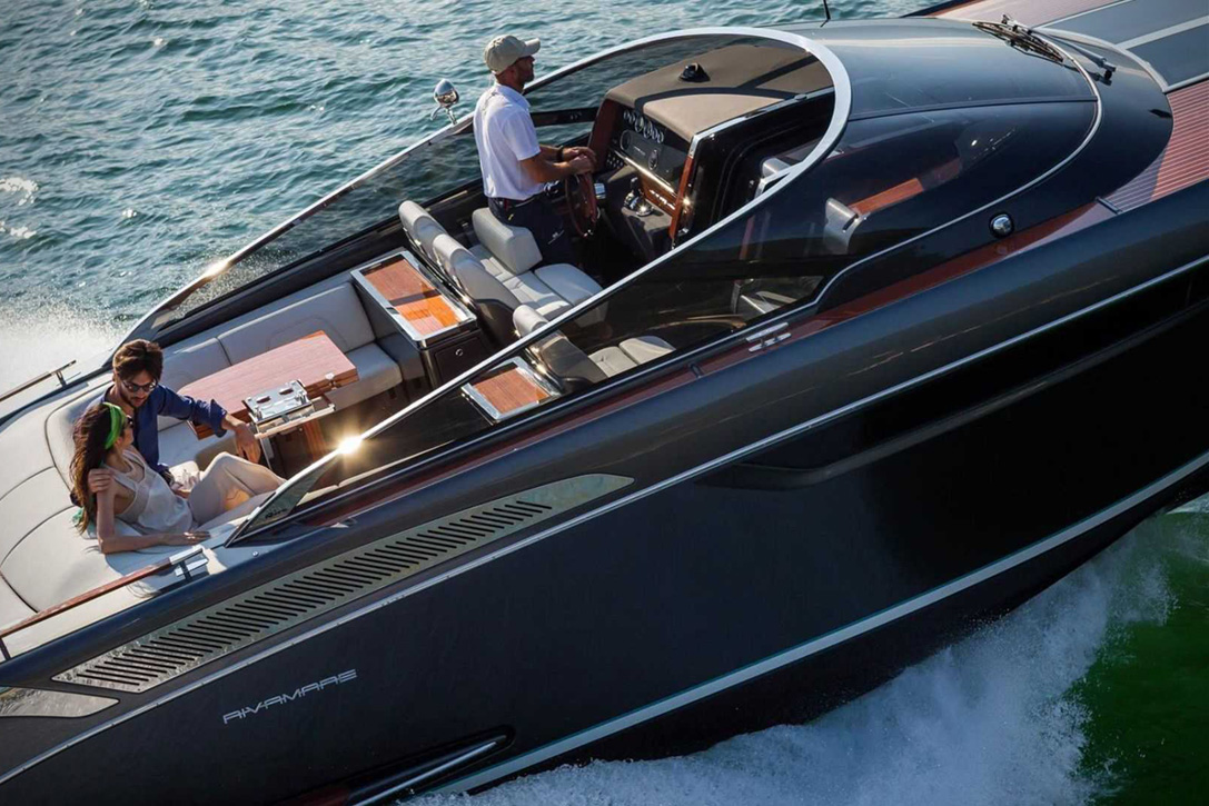 Elegant And Powerful Riva Rivamare Speedboat 9