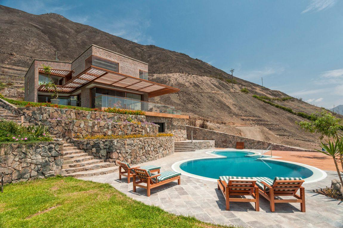 Fabulous Private Home In Azpitia Valley, Peru (18)
