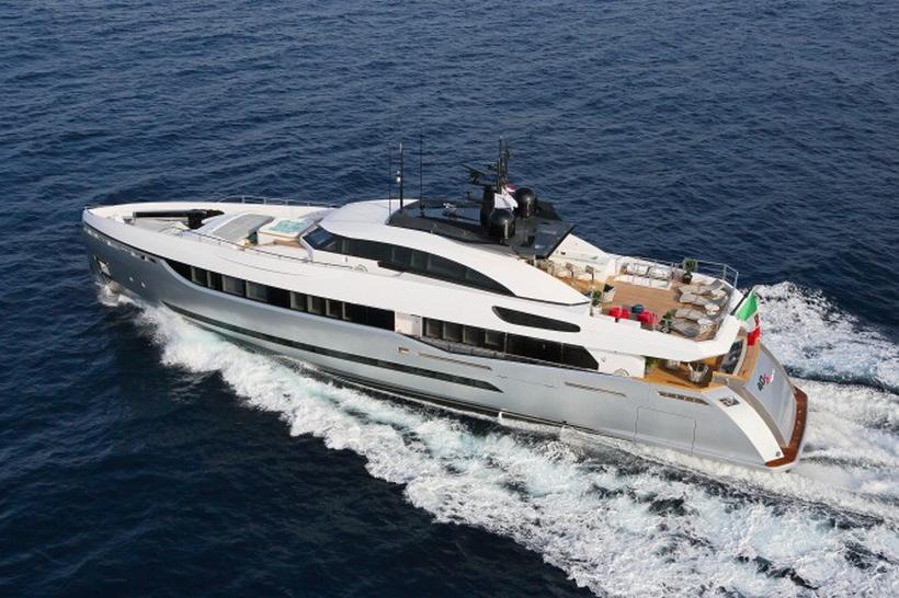 Breathtaking ELEONORA III Sport Hybrid Yacht 2