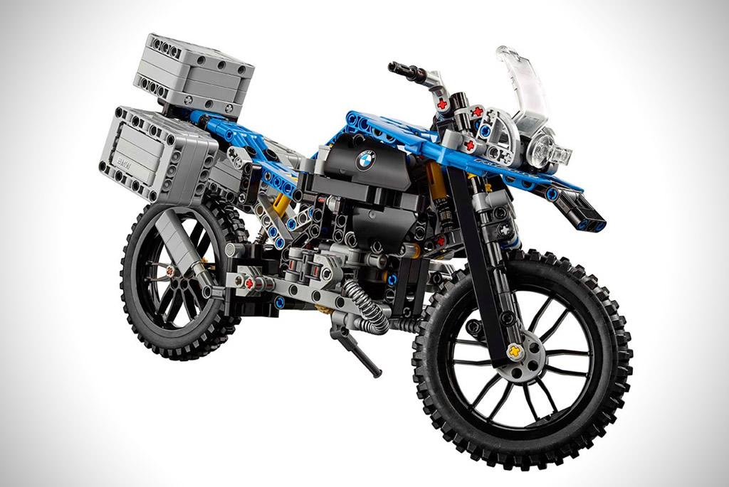 Lego Technic Reveals The BMW R 1200 GS Adventure 1
