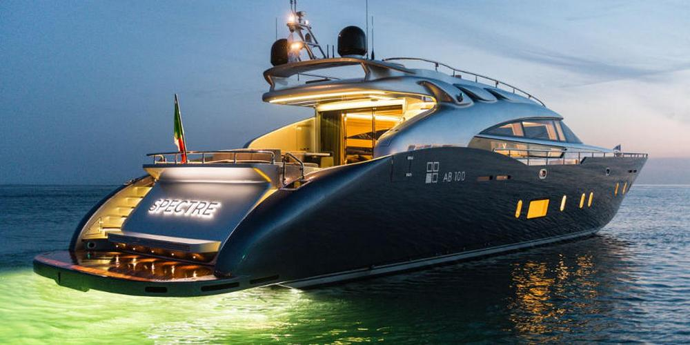 Gorgeous And Powerful AB-100 Spectre Yacht 7