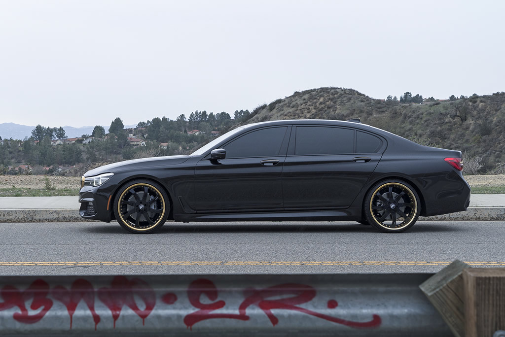 BMW 7-Series Boasts Eye-Catching Wheels 3