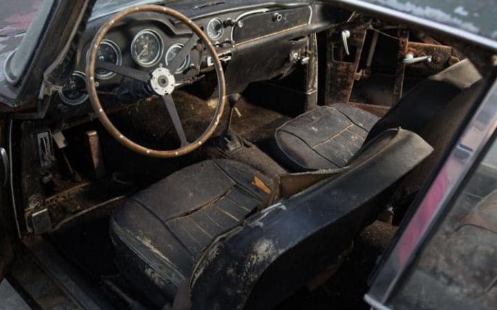 This Deserted Aston Martin DB4 Will Be Auctioned Off (5)