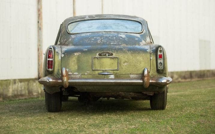 This Deserted Aston Martin DB4 Will Be Auctioned Off (2)