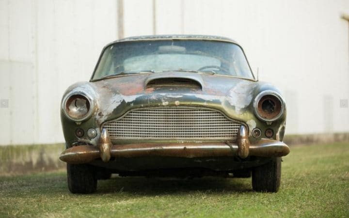 This Deserted Aston Martin DB4 Will Be Auctioned Off (1)