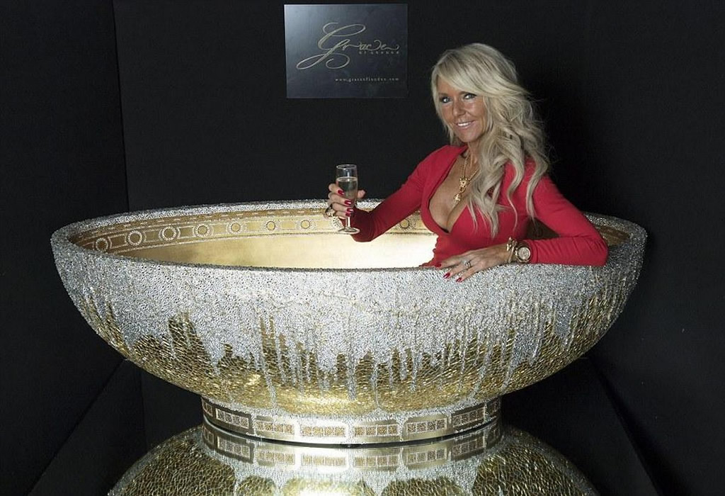 This Lavish Bathtub Includes 250,000 Crystals 1