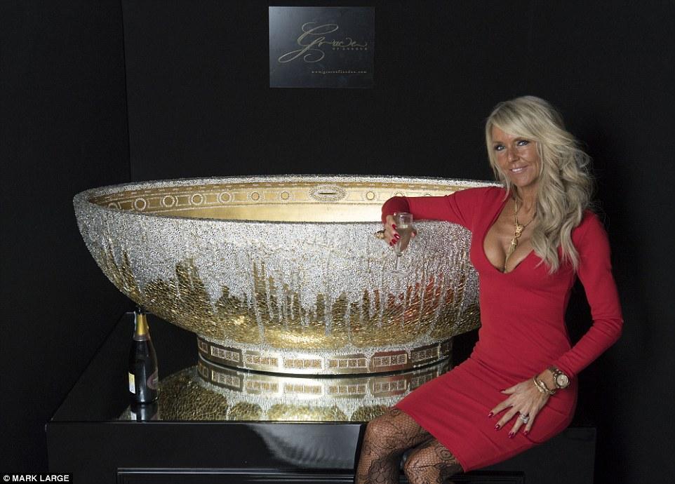 This Lavish Bathtub Includes 250,000 Crystals 3