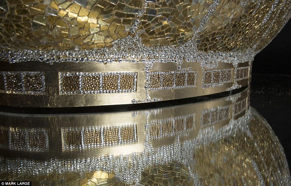 This Lavish Bathtub Includes 250,000 Crystals 6