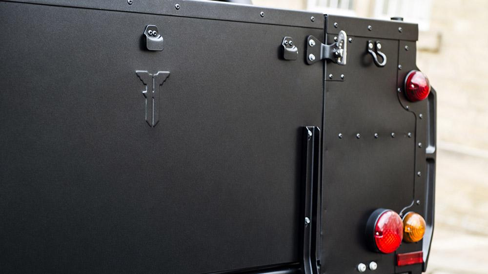 Kahn Design Flying Huntsman 6x6