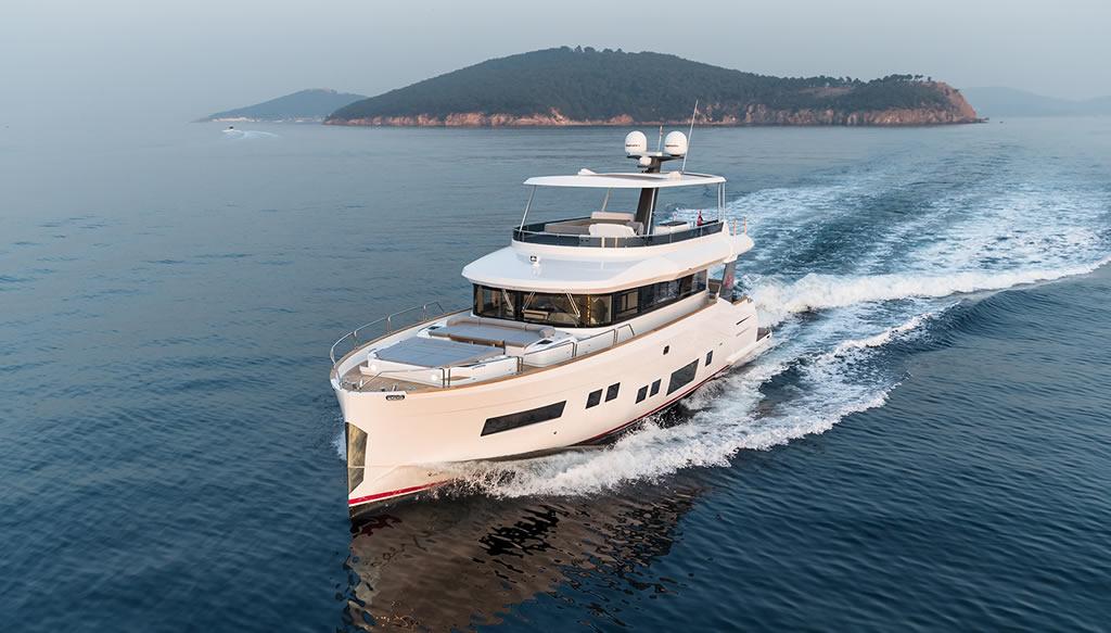 Beautiful Sirena 64 Yacht By Sirena Yachts 3