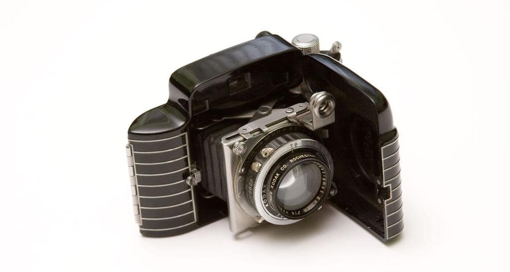 Diamond-Studded Fender Was Inspired By A Kodak Camera (11)
