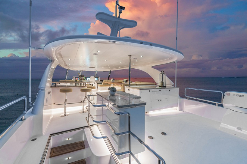 E98 Do It Now Superyacht By Horizon Yachts 3