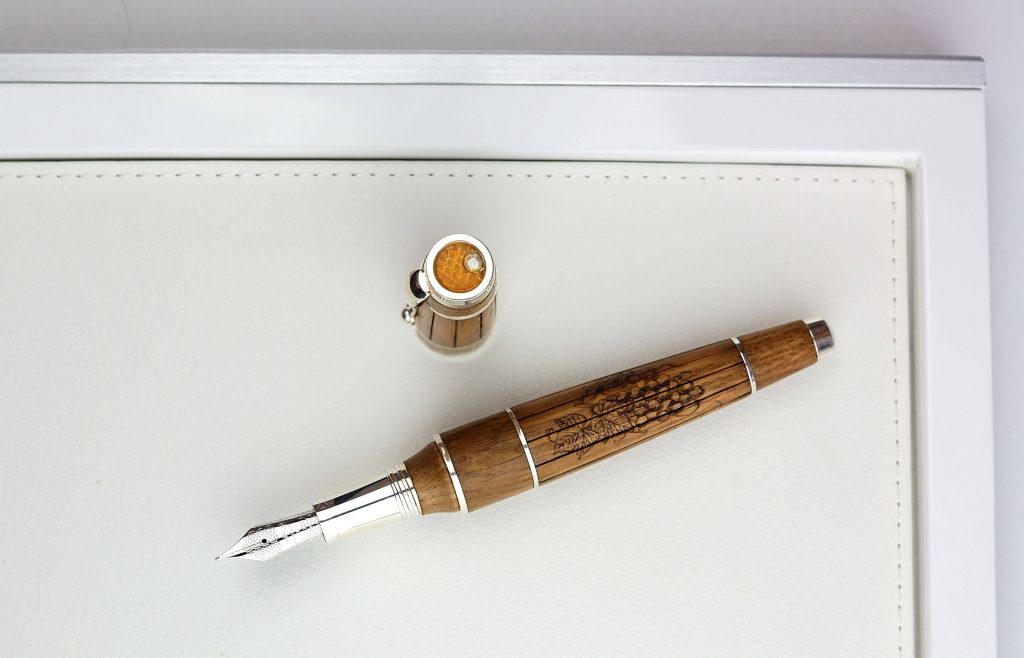 Montegrappa Luxe Fountain Pen 2