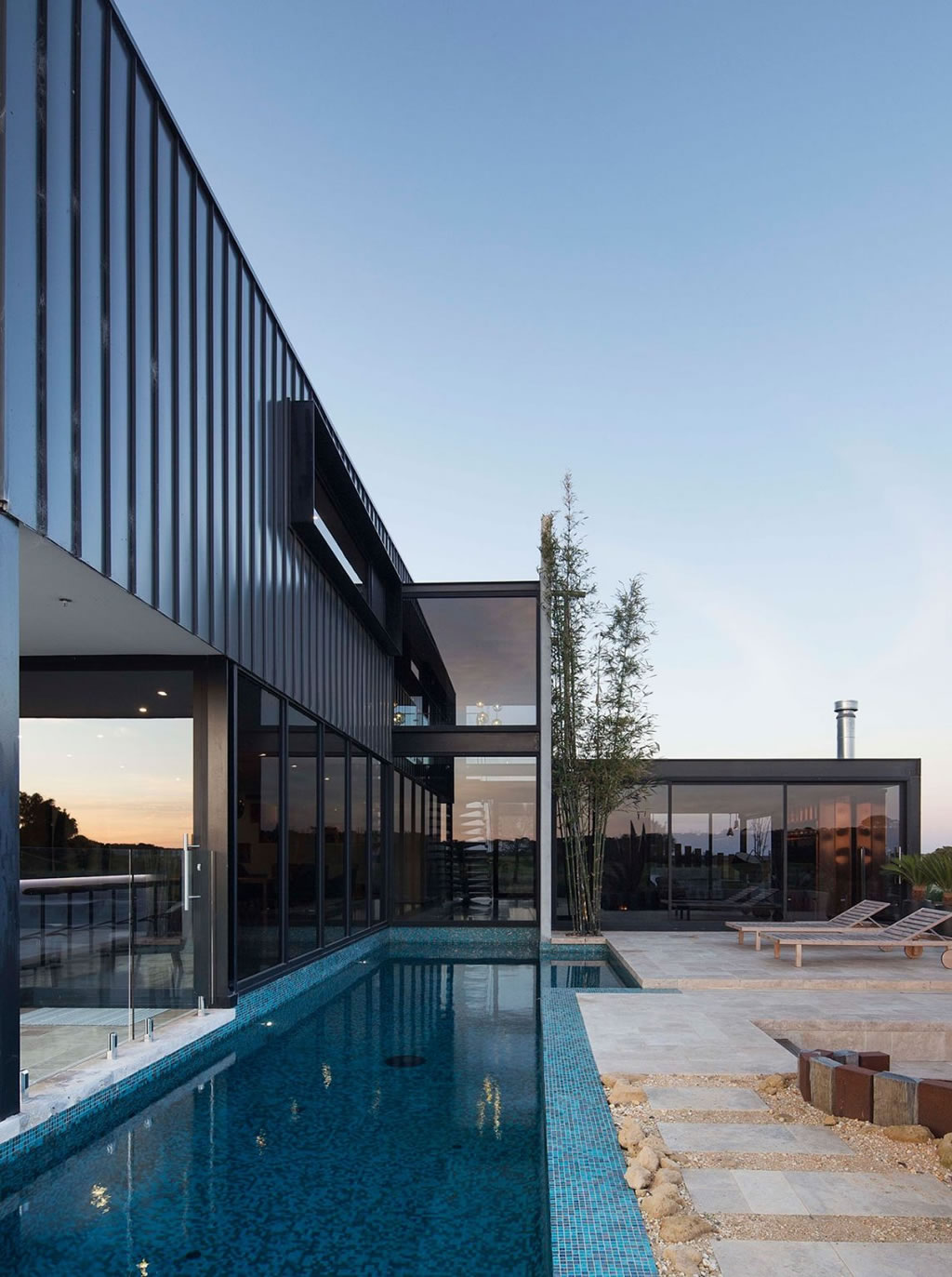 Private Home in Australia By Lachlan Shepherd Architects (3)