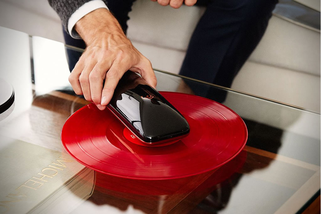 The Love Smart Turntable 4