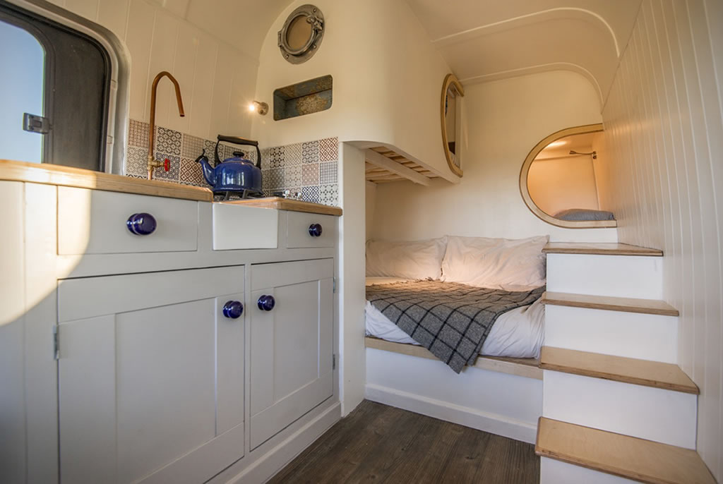 This Moving House Offers Outstanding Bespoke Van Conversions 4