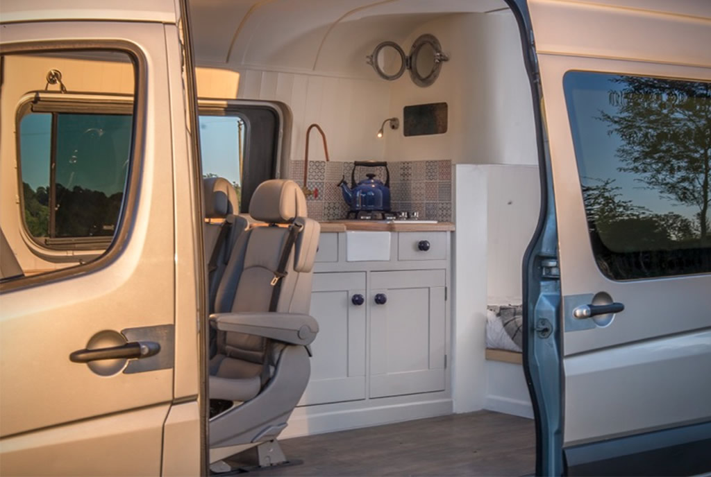 This Moving House Offers Outstanding Bespoke Van Conversions 7