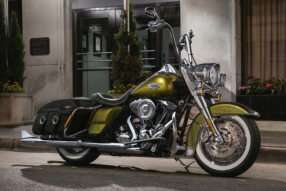 Harley-Davidson Road King Special Is Superb 1
