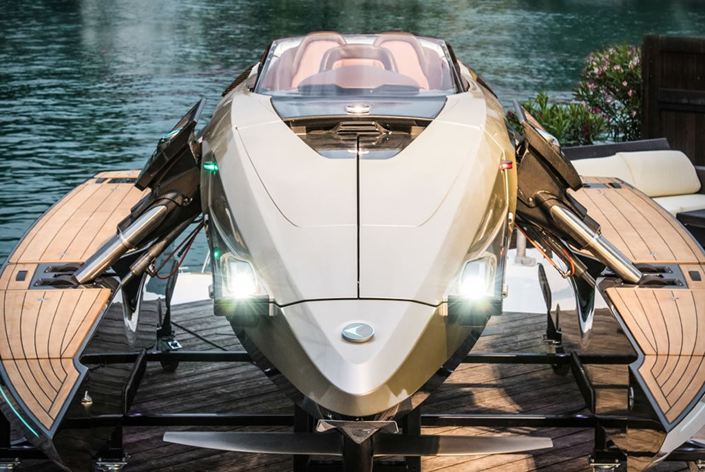 Here's The Kormoran K7 Luxury Personal Watercraft 4