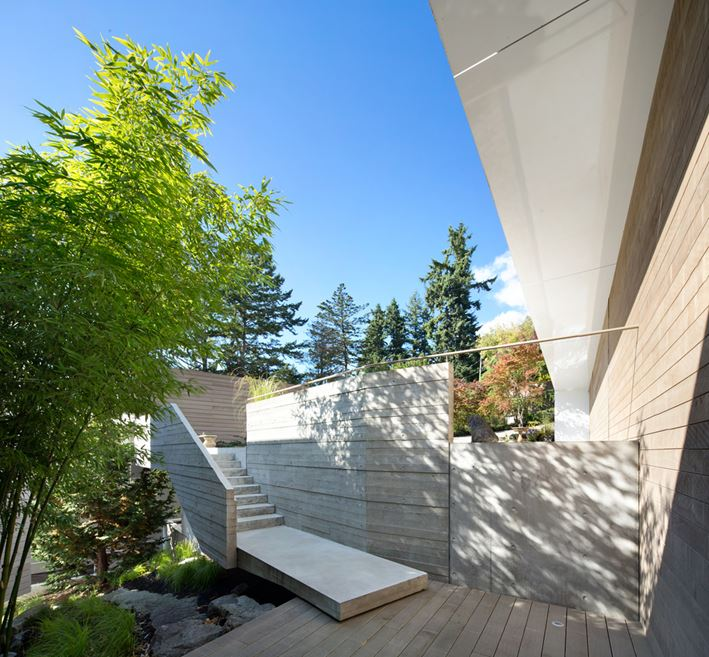 Modern Abode In Sunny West Vancouver, Canada 1
