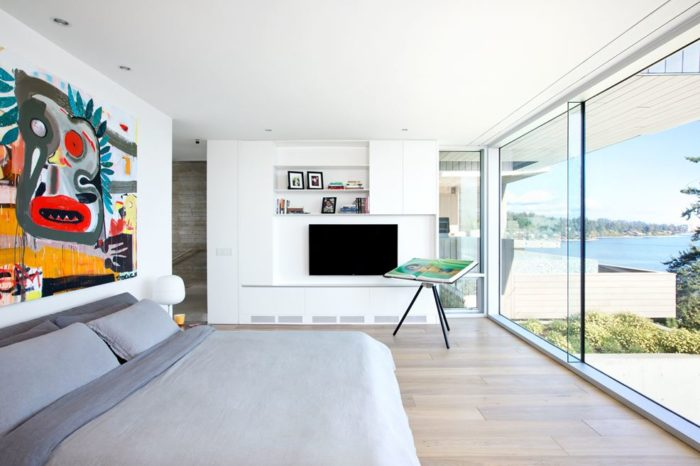Modern Abode In Sunny West Vancouver, Canada 11