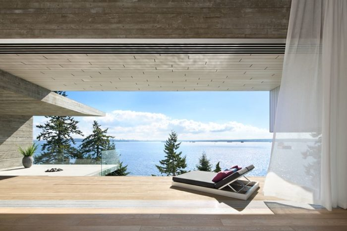 Modern Abode In Sunny West Vancouver, Canada 6