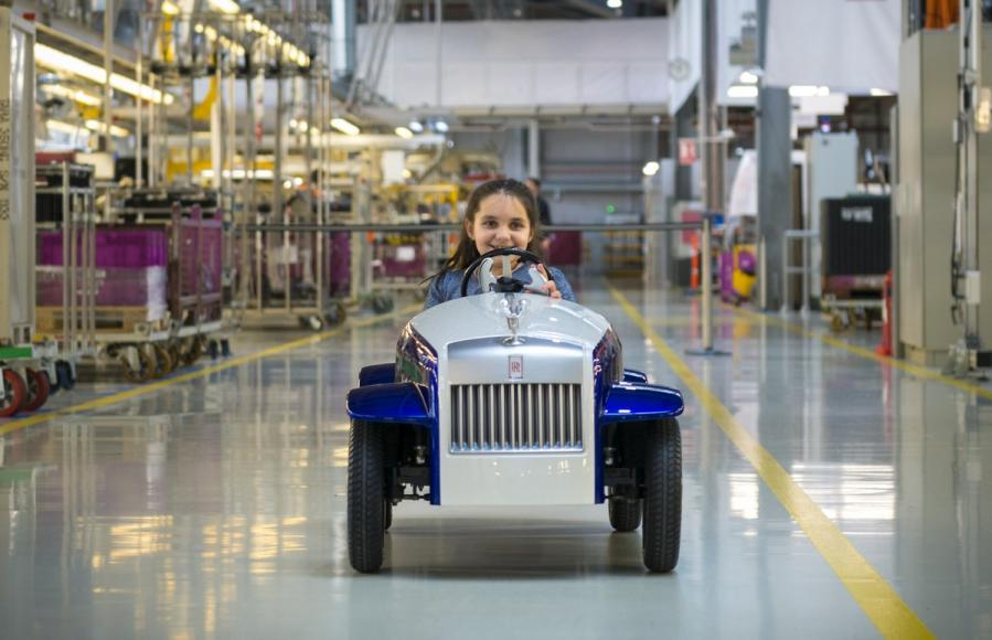 Rolls Royce Makes A Special Car Kid Sized Car For A Hospital 3