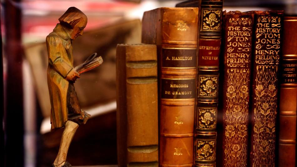 Thieves Steal $2.5 Million Worth Of Books In London 1