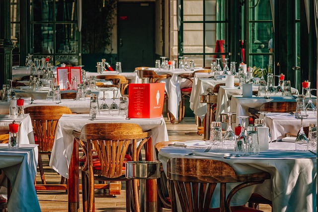 WAYS TO ATTRACT TOURISTS AS GUESTS FOR YOUR RESTAURANT