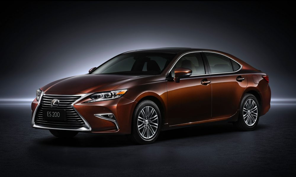 2015 Shanghai International Motor Show – 2016 Lexus ES 200 001