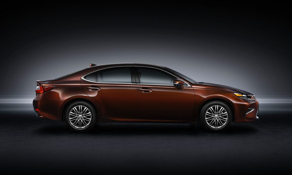 2015 Shanghai International Motor Show – 2016 Lexus ES 200 003
