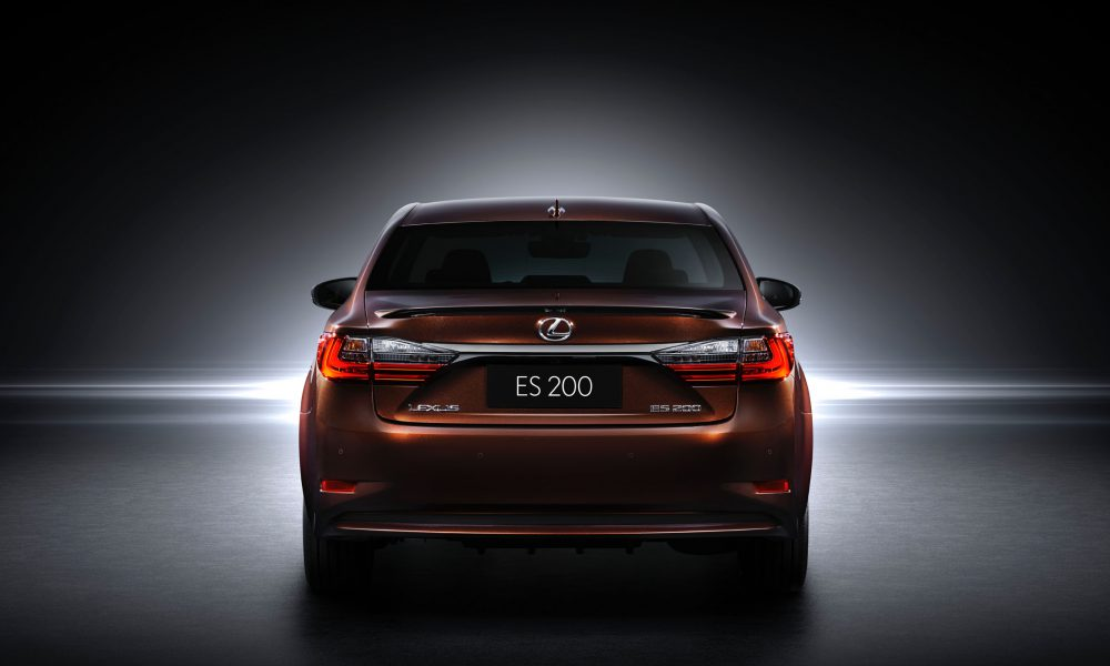 2015 Shanghai International Motor Show – 2016 Lexus ES 200 004