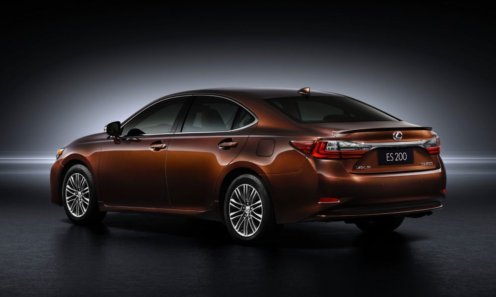 2015 Shanghai International Motor Show – 2016 Lexus ES 200 005