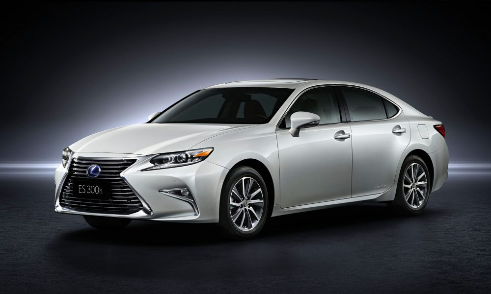2015 Shanghai International Motor Show – 2016 Lexus ES 300h 001