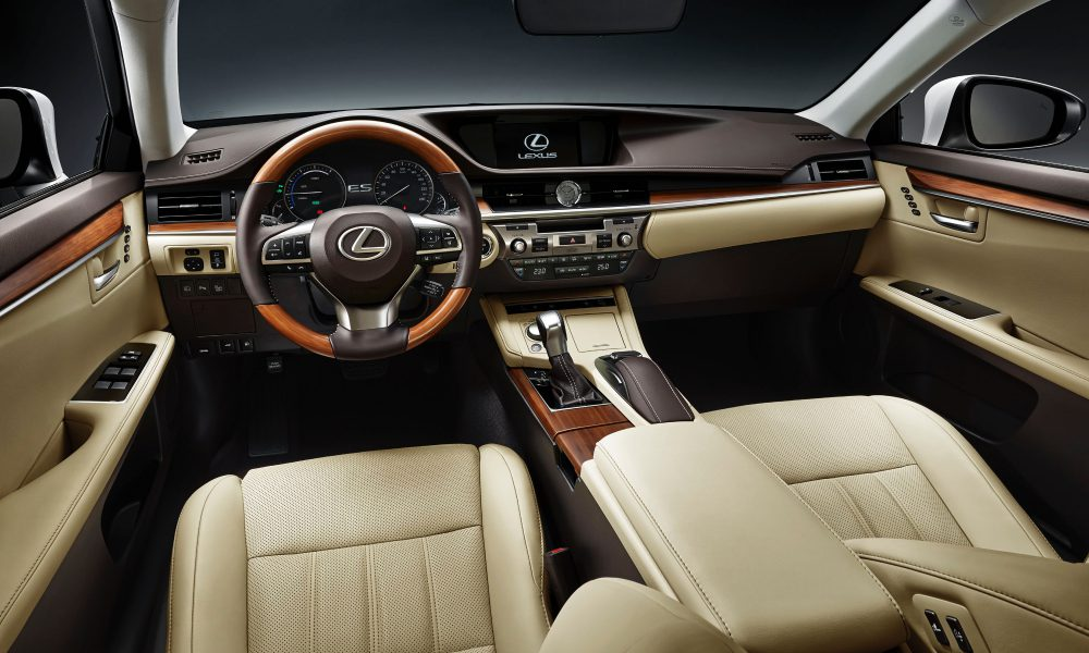 2015 Shanghai International Motor Show – 2016 Lexus ES 300h 006