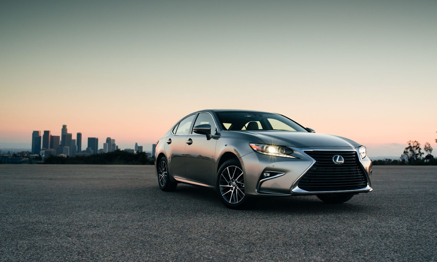 2018 Lexus ES 350 Standard Luxury and Comfort