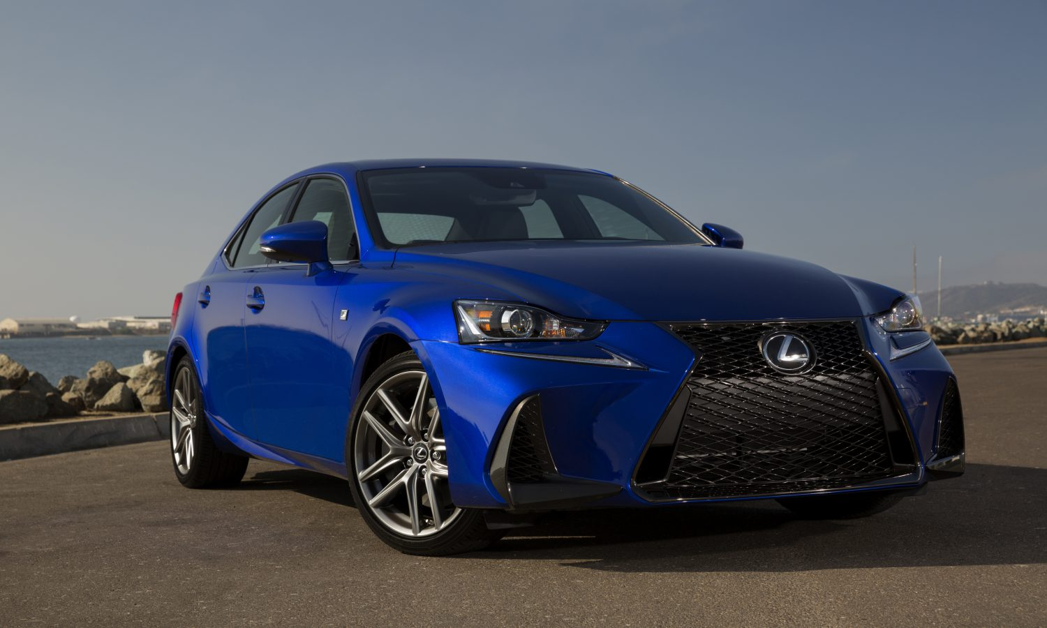Lexus 2018 IS: Sporty Design and an Exhilarating Ride