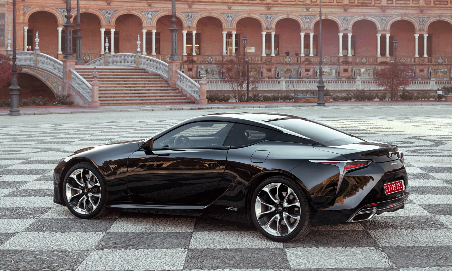 2018 Lexus LC 500h Product Information