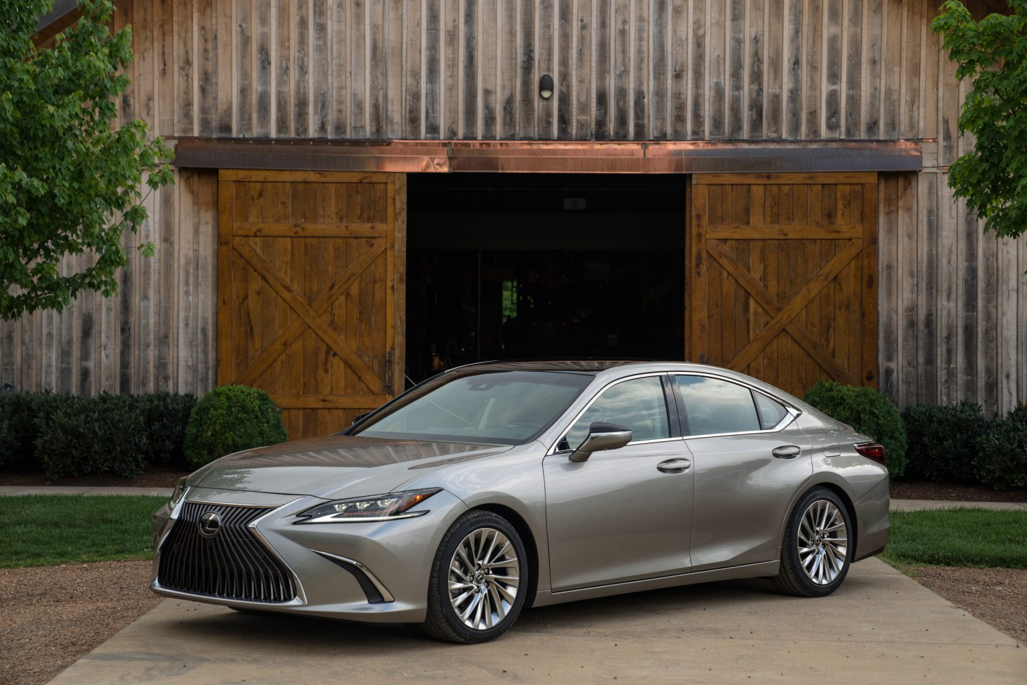 A New Level Of Performance And Sophistication The Next Generation Lexus Es Lexus Usa Newsroom