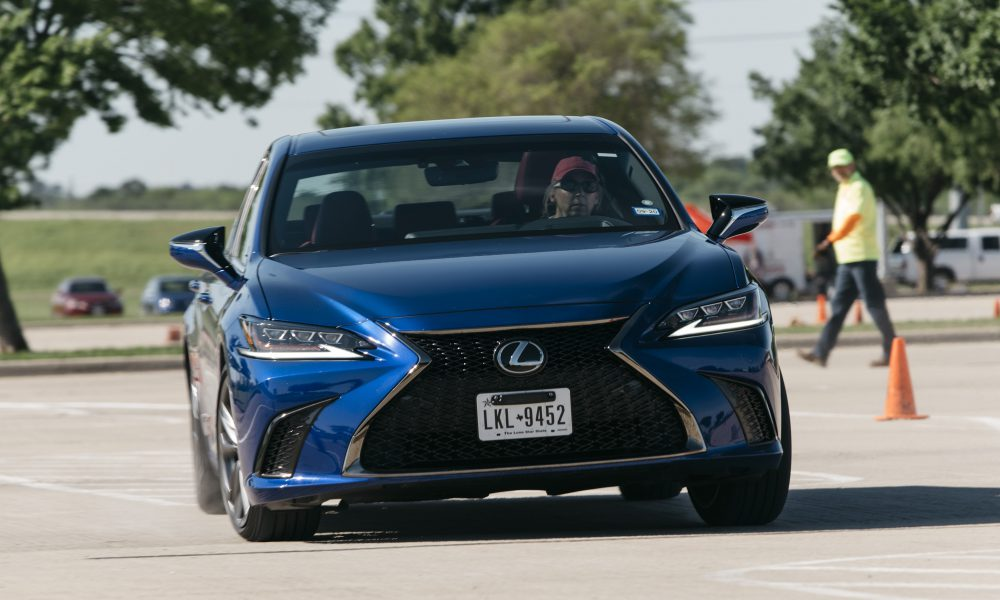 2019 Lexus ES 350 F SPORT Wins Best Mid-Size Luxury Car Award at the 2019 Texas Auto Writers Association Auto Roundup