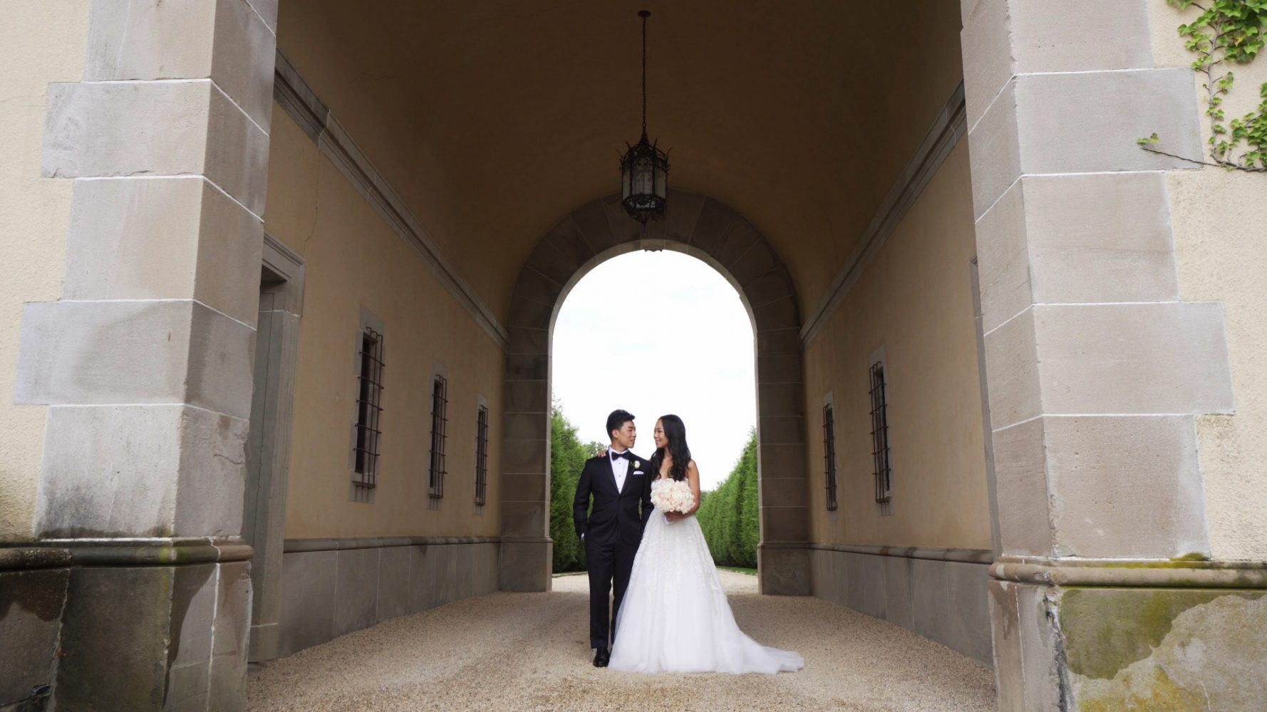 Nicole + Michael | Huntington, New York | Oheka Castle