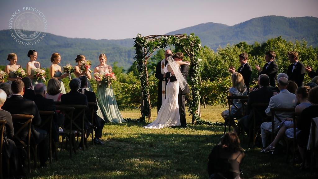 Katie + Sean | Flat Rock, North Carolina | Sky Top Orchard
