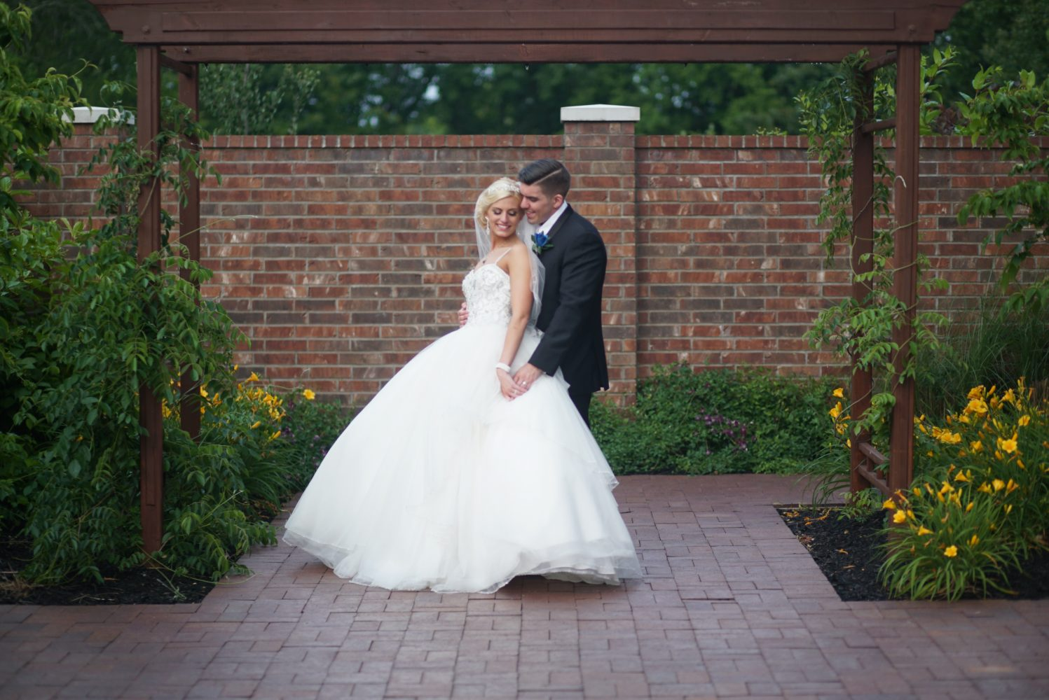 Amber + Chris | Louisville, Kentucky | Noah's Event Venue