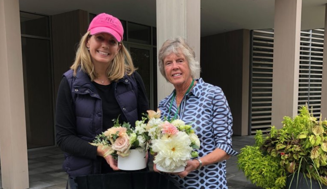 The Best Way to Give Back At Your Wedding: Donate Your Flowers