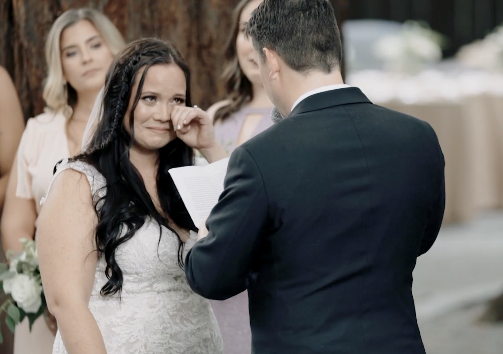 "The Best Wedding Videography Tips For Capturing A Perfect ""First Touch"""