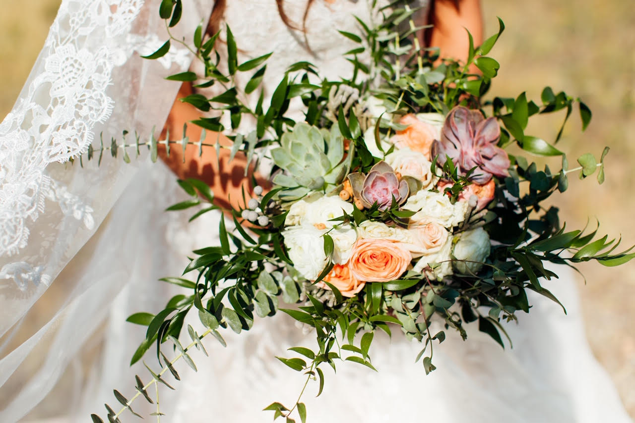 Why This Bride Chose This DIY Floral Service For Her Wedding Flowers