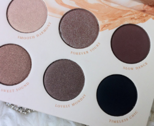 A glimpse at the Zoeva Naturally Yours Eye Shadow Palette