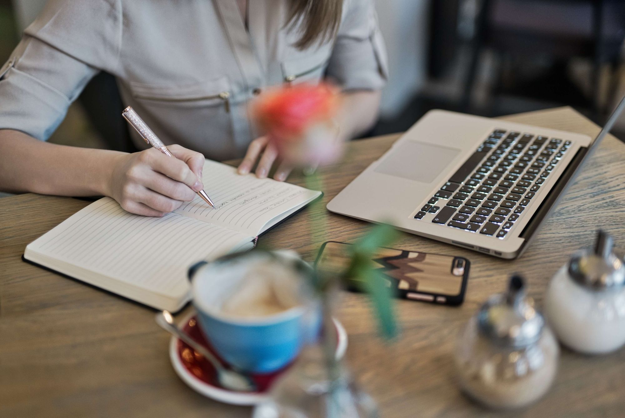 Journaling is one of the best ways to be proactive and track your career aspirations in the New Year (Photo Credit: Pexels)